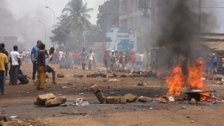 गिनीमा सरकार विरोध प्रदर्शन